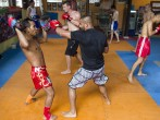 Foreign Tourists Take Up Thai Kickboxing
