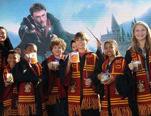 Universal Studios Hollywood Hosts Butterbeer Toast!