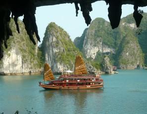 Top 5 Halong Bay Cruises