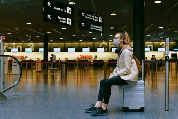How to Travel while Practicing Social Distancing