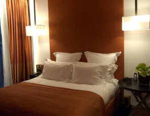 Five Things That You Must Do When Entering A Hotel Room