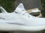 'Adidas YEEZY Boost 350 V2' Will Release 'Cream White' Model Soon! 'Dark Green' Model To Be Released In Spring