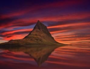 Geothermal baths and beyond: Rick Steves' guide to Iceland's steamiest sites