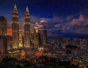 Traveling on vacation to Malaysia? Check out these simple survival tips