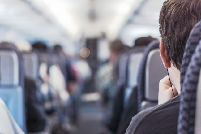 Tips On How to Stay Safe When Flying During the COVID-19 Outbreak