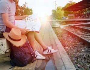How to Easily Travel On a Budget