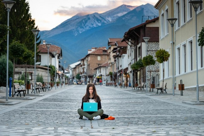 6 Essential Questions to Ask Before Becoming a Digital Nomad